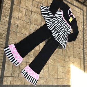 Ann Loren Two Piece Outfit - Black & Pink